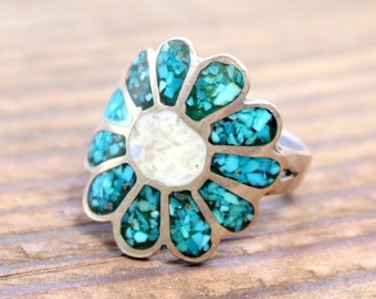 MOP and Turquoise inlay Vintage Ring  //  Size 8