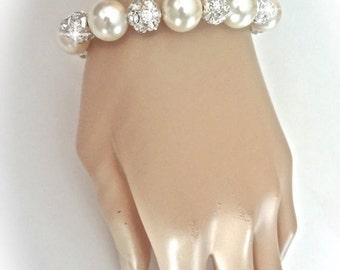 Pearl Bracelet ~ Chunky ~ Swarovski pearls and crystals ~ Crystal fireballs ~ Elegant ~ Bridal Jewelry ~ Bridesmaids bracelet ~  LOLITA