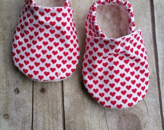 Valentine Heart baby booties 0-6 months *SHIP TODAY*