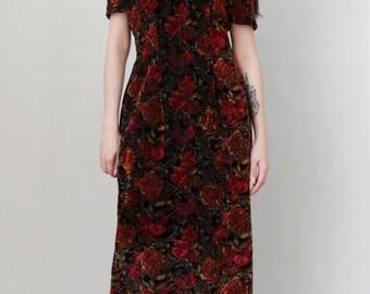 """Vintage """"Femme Fatale"""" Velvet Textured Rose Print Wiggle Dress - Floral Print Maxi Dress Sweetheart Neckline - Size M"""