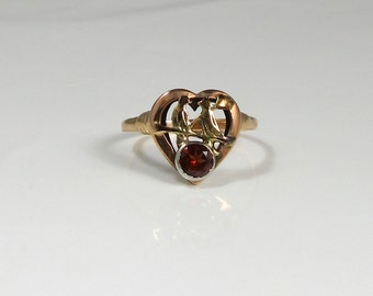 Garnet Ring with Love Birds; Love Bird Ring; Promise Ring; Vintage Garnet Ring with Lovebirds; Heart Shaped Ring; Heart Shaped Garnet Ring