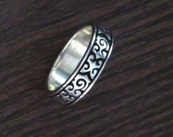 Etched Detail Sterling Silver .925 Stack Band Ring - Nice Carved Detail - One Size Left