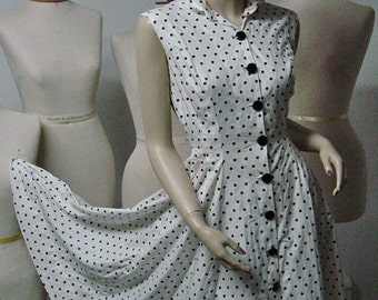 1950s Black and White Button Front Polka Dot Dress Bust 34 Waist 23