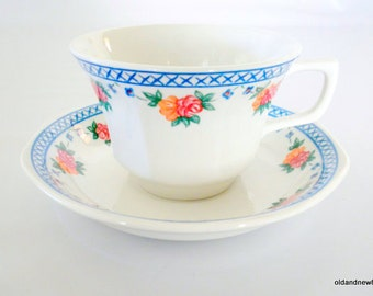 Wedgwood Trellis Rose Tea Cups and Saucers, Made in England, Red, Blue and White, 8 Sets