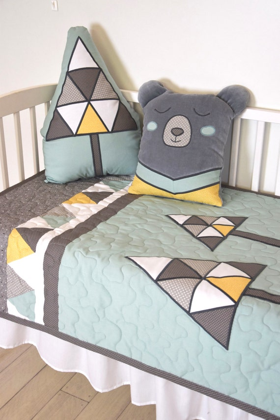 Mint Baby Blanket, Bear Crib Quilt for Woodland Nursery,  Grizzly Bear Baby Bedding