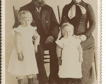 Vintage 1890's Cabinet Photograph of Family Warren , Minn