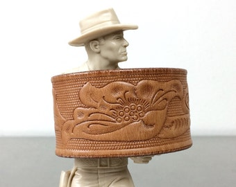 Leather Bracelet - Floral Wristband Cuff - Size Medium