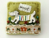 Dog brooch - dachshund - sausage dog - hand sewn gifts - gifts for dog lovers - dachshund jewellery
