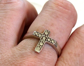 Sterling Silver Cross Ring ~ Christian Cross Ring ~ UNISEX ~ sizes 6 or 9