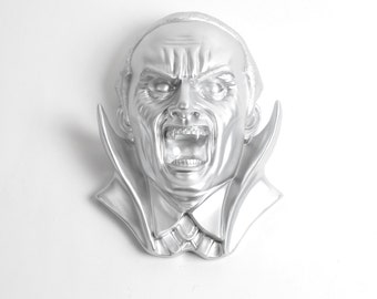 The Dracula- Silver Resin Vampire Head Decor - White Faux Taxidermy - Gothic Decor Dracula Vampire Fangs - Halloween Party Decorations