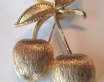 Vintage Sarah Coventry CHERRIES Brooch Pin ~ Brushed Gold ~ CUTE! Mid Century