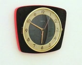 French 1950-60s Atomic Age Vedette Black and Red Wall Clock - Funky Freeform Shape - Good Working Condition