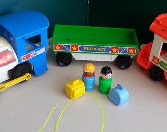 Vintage FISHER PRICE Express Train Little People Cute & Fun Set