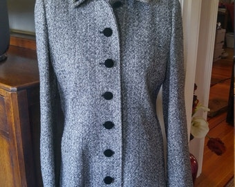 Vintage 1940s 1950s style tweedy princess coat, fit and flare, size 6 to 8