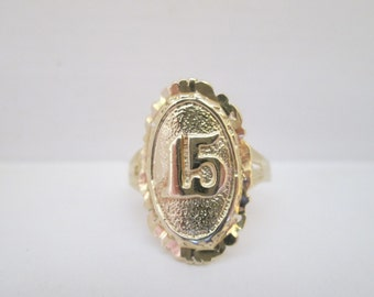 "Lovely ""15"" Quinceanera 14K Gold Ring: Size 7.25"
