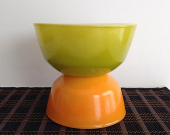 Pair of Vintage Anchor Hocking Green and Orange Mixing Bowls / Stackable Oven Proof Retro Mixing Bowls