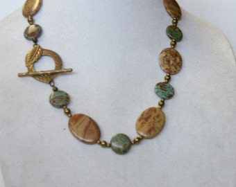 Chunky jasper necklace with front toggle.
