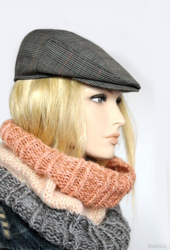 Newsboy Caps. Stylish Newsboy Hats for Men. Extra, extra, read all about it! Newsboy caps are back in style in a big way. This casual-yet-cool-hat is the perfect option for guys who love to accessorize without being too flashy. And when you choose a newsboy hat from Hats in the Belfry, you'll get a great deal on a high-quality item made by the industry's most beloved hat-makers, including.