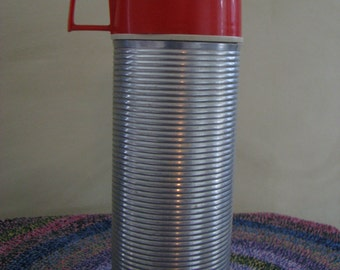 King Seeley Ribbed Aluminum Thermos Bottle #2284 Hot Cold 1 pint  EUC VINTAGE 1960's