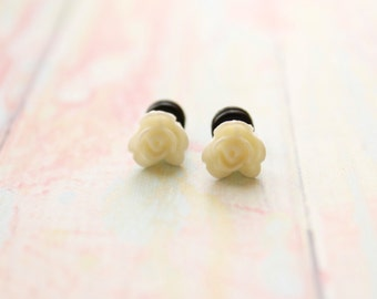 Tiny Flower Plugs White Rose Plugs for Size 8 6 4 2 0 Gauges 8g 6g 4g 2g 0g Wedding Bridal Wear for Piercing
