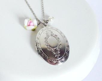 Vintage Inspired Oval Locket Necklace