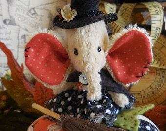 Halloween artist Viscose Elephant
