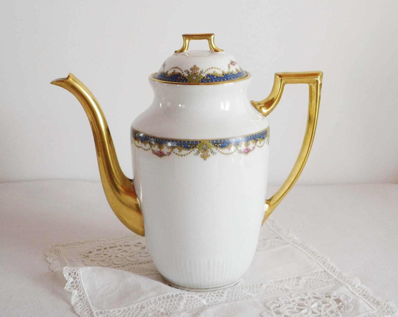 th i re ancienne en porcelaine de limoges blanche et or d cor. Black Bedroom Furniture Sets. Home Design Ideas