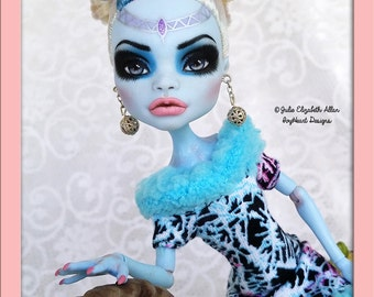 Custom Monster High Repaint Commission! Includes your choice of doll from selection! Your style!