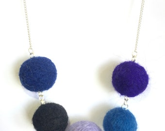 "Handmade Felted Necklace ""Tranquil"""