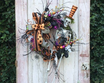 Skeleton wreath, Halloween Wreath, Halloween Skeleton Wreath, Fun Skeleton Wreath, Halloween Door Wreath, whimsical Halloween wreath