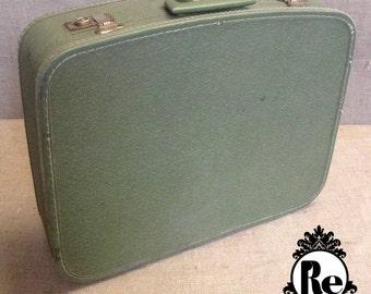 Vintage Luggage Suitcase Green Speckled Vinyl Suitcase No. 201