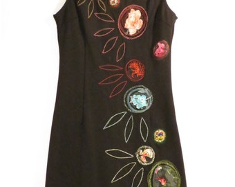 vintage, upcycled, black, dress, mini dress, floral decorated, embroidered with flowers, daisies, sleeveless, tight minidress, stretch, recycling