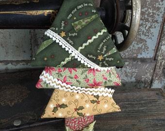 Fabric: Fat Quarter Christmas Tree Bundle - 4 Christmas Themed Cotton Fat Quarters