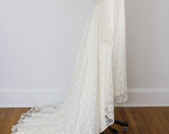 High-low Vintage lace wedding gown / long sleeves / xs small