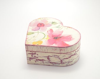 Wooden jewelry box, decoupage box, jewelry box, shabby chic box, floral decoration, home decoration, handmade, heart box, artificially aged