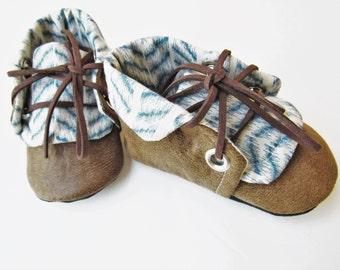 Chevron Blue & Cream Chuck Boots