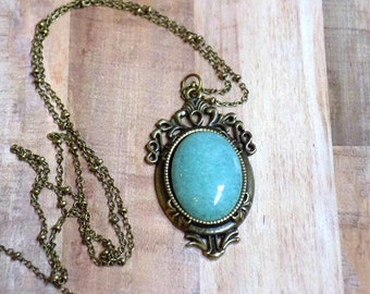 Victorian Green Jade Stone Pendant Necklace