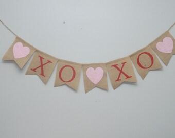 XO XO Burlap banner, Hugs and Kisses banner, Valentine's Day Banner, Valentines burlap banner