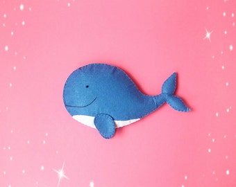 Blue whale toy Felt ocean animals Under the sea fish ornament Nursery ocean Stuffed animal Baby felt toy Whale magnet Whale brooch