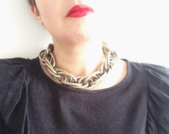 Vintage 60s Costume Jewelry, Silver Choker Necklace Chain.