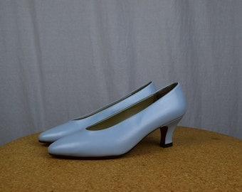NEW Old Stock 1990's VINTAGE Pumps / High Heels / Size 8.5 / Periwinkle
