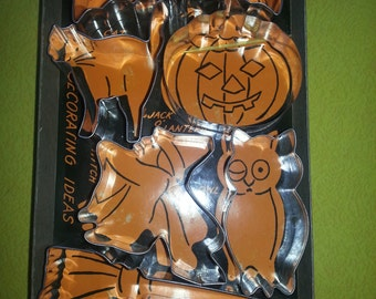 Vintage 1960s Halloween Theme Trick or Treat Set of SIX Metal Cooky Cutters in Original Box!