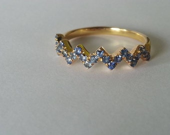 Blue Sapphire Zigzag Ring // 10KT Yellow Gold
