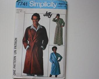 Vintage Simplicity 7741  - UNCUT Pattern for Men's Robe