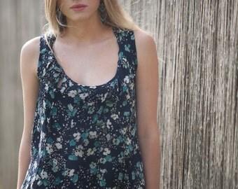 Printed tank Top, Oversize Loose Blouse, Plus size Blouse, Floral Women shirt, summer top, sleeveless Urban shirt, Two ways to wear