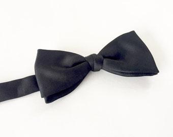 Black Bow Tie / Vintage 1960s Bow Tie / Black Tuxedo Tie / Vintage Groom / Mens Formal Wear