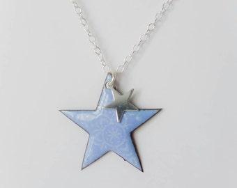 Necklace mid-length star blue enamel