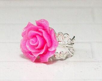 Rose Statement Ring, Pink Flower Ring, Valentine Ring, Bridesmaid Ring, Adjustable Ring, Bridal Ring, Cocktail Party Ring, bijoux resina