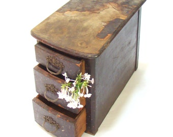 Vintage Wooden Small Chest of Drawers; Craft Storage; Victorian Drawers, Curved Front Drawers; Small Storage; Vintage Storage