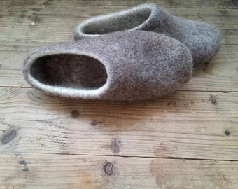 Handmade wooppers / Ecological wool slippers / Felted clogs in natural cappuccino / Gift for woman